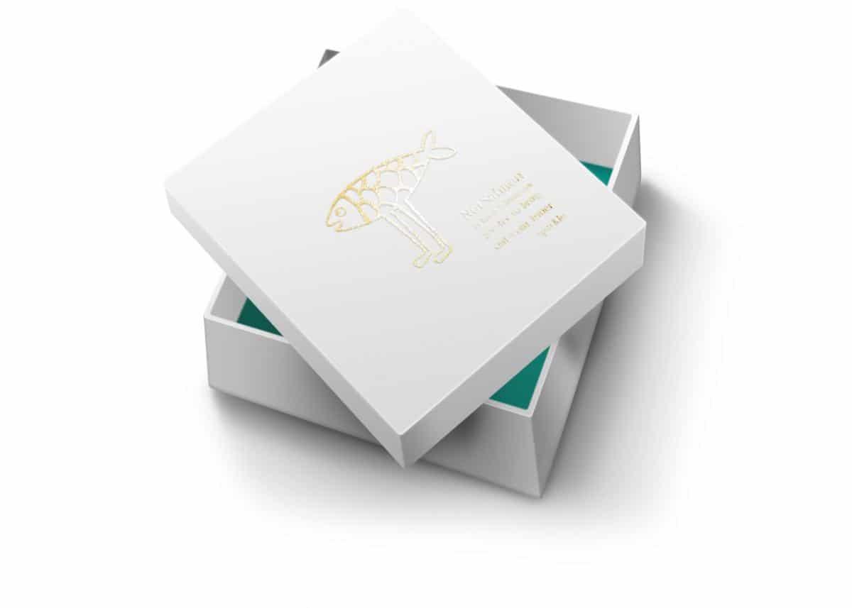Teaser gift box