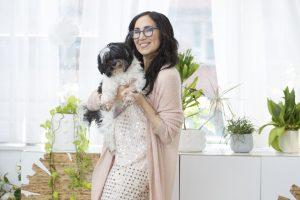 karen salmansohn and her dog fluffy