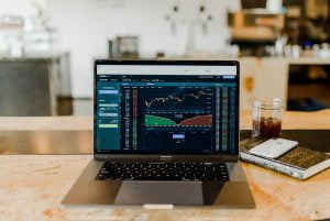 How To Become A Self-Taught Financial Expert On The Stock Market